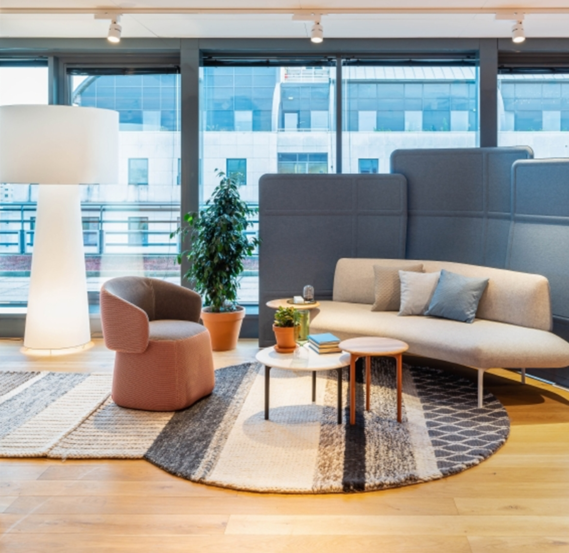 <strong>Scandium for companies. </strong>Discover world of office furniture Haworth
